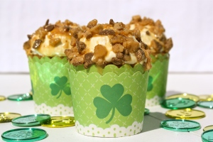 Caramel Toffee Pot of Gold Cupcakes
