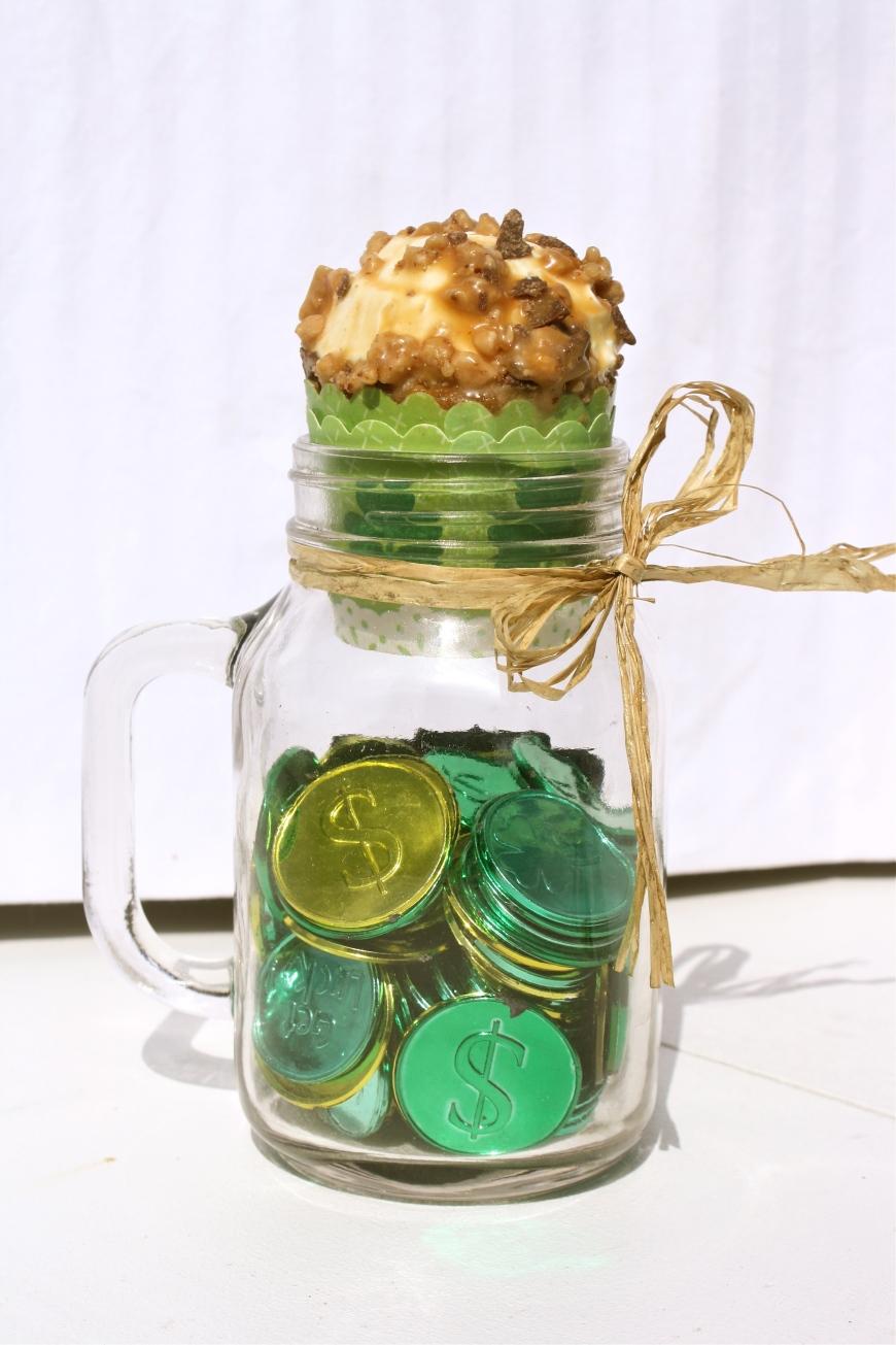 Caramel Toffee Pot of Gold Cupcakes