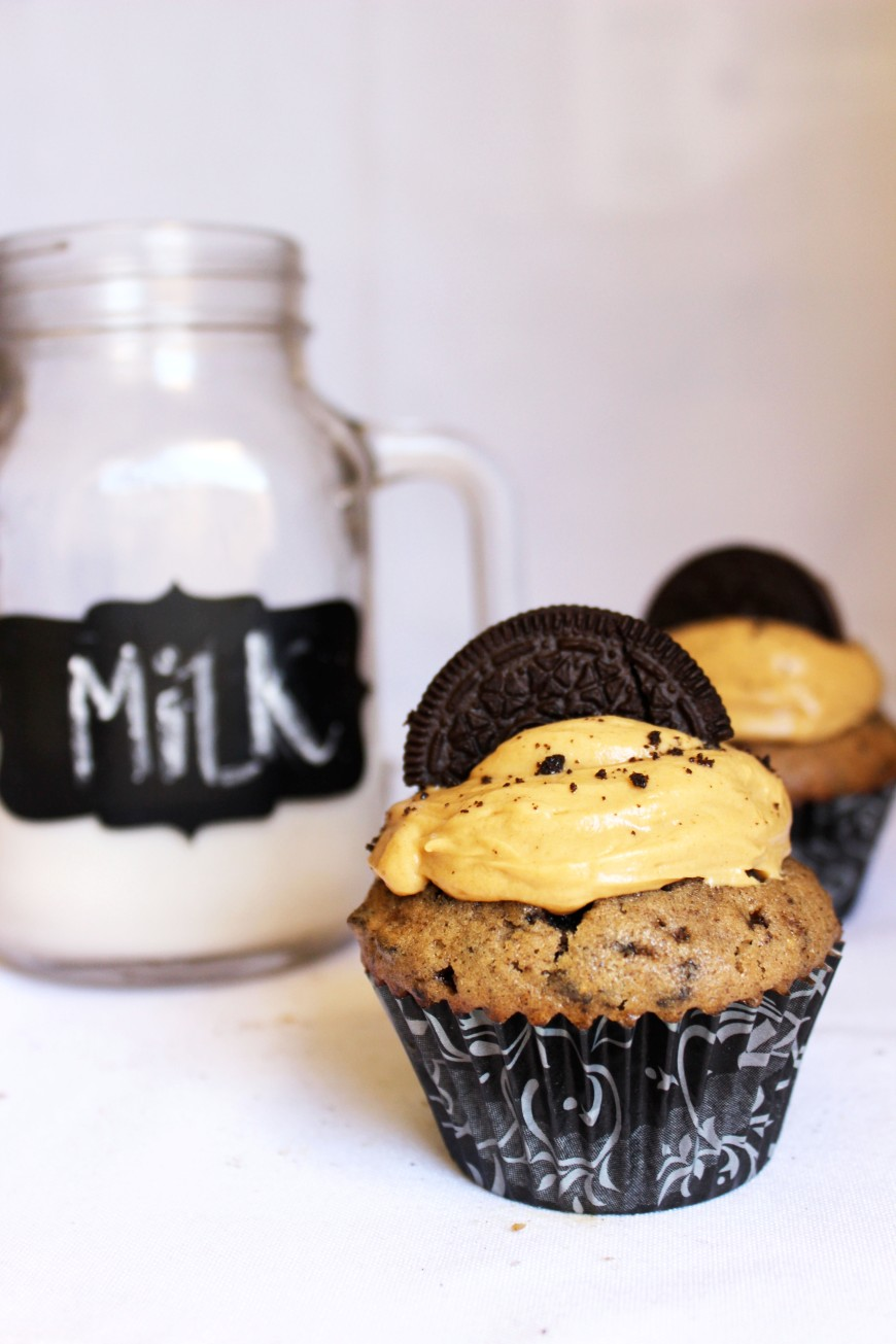 Reese's Peanut Butter Cup Oreo Cupcakes