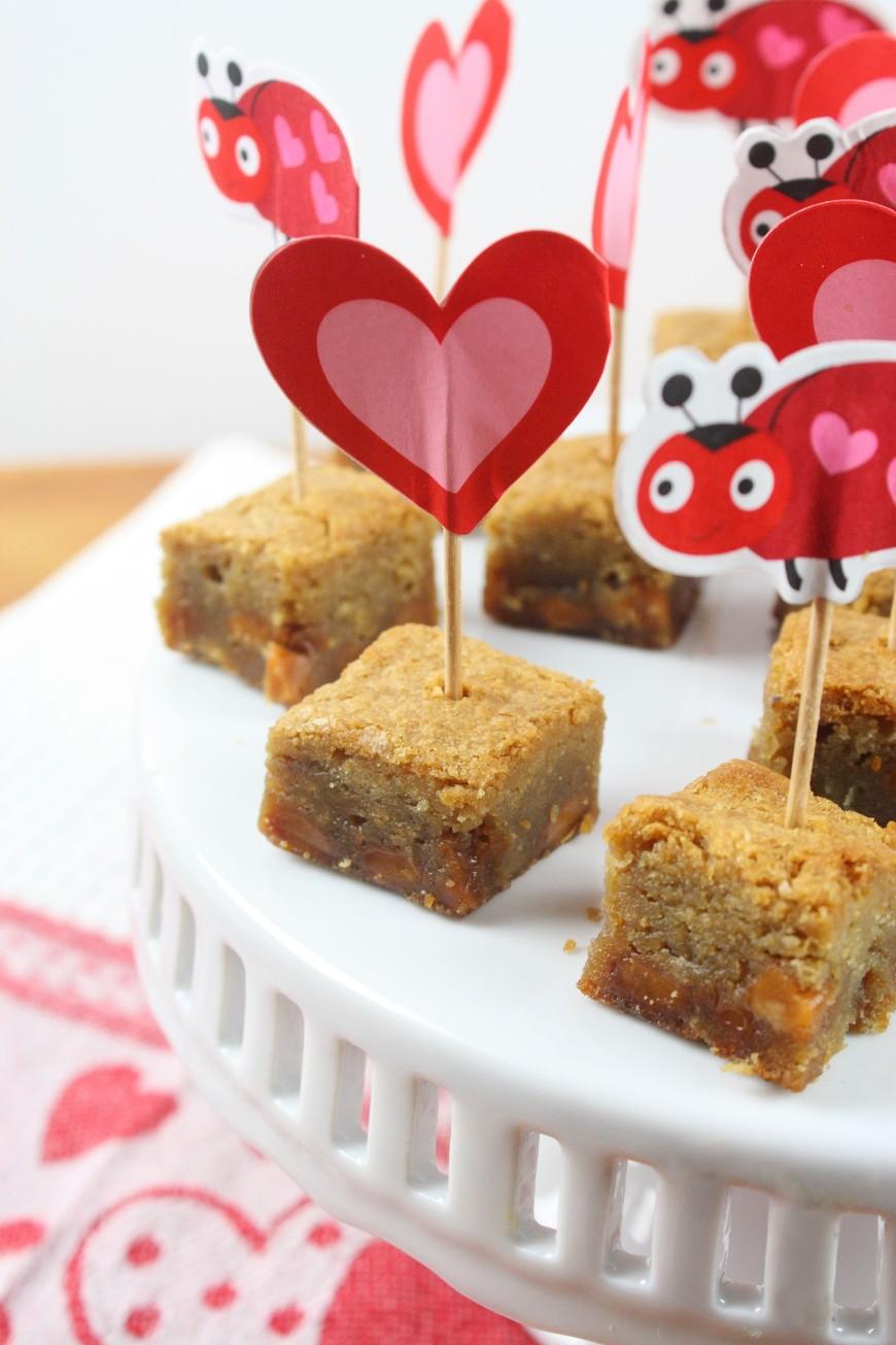 Caramel Blondie Bites